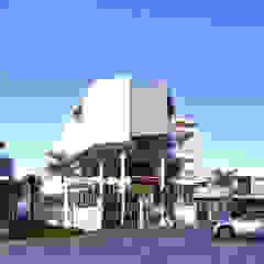 LSS HOUSE 1 NEIL TABADA ARCHITECTS Modern home