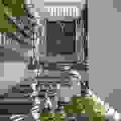 Garasi Gaya Asia Oleh Ashwin Architects In Bangalore Asia