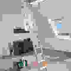 de Katlanır Çatı Merdivenleri Minimalista