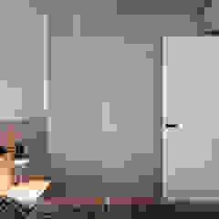 Serenity Minimalist bedroom by Mister Glory Ltd Minimalist