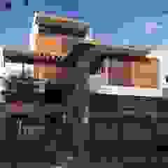 TALLER DE ARQUITECTURA 2A Modern home Wood Multicolored