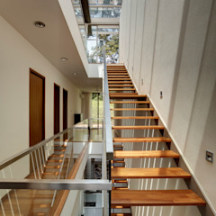 Modern corridor, hallway & stairs by Lim Ai Tiong (LATO) Architects Modern