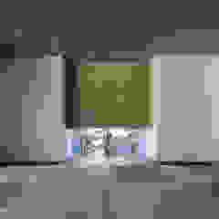 โดย 松岡淳建築設計事務所 โมเดิร์น ไม้จริง Multicolored