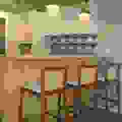 APARTAMENTO DE 56 m² Salas de jantar escandinavas por ICONO Projetos e Interiores Escandinavo