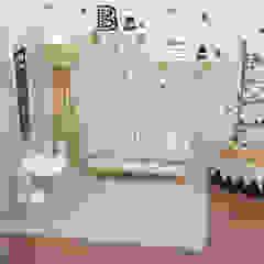PROYECTO B Dormitorios infantiles escandinavos de JACH Escandinavo Madera Acabado en madera