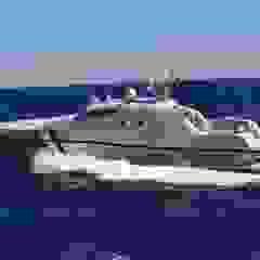 Industrialne jachty i motorówki od Gloss Design Industrialny Aluminium/Cynk
