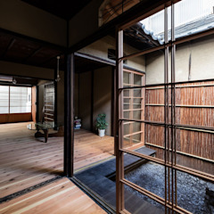 Rowhouse on Showa-koji St. من 山本嘉寛建築設計事務所 YYAA ريفي خشب Wood effect