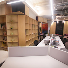Star Solution Malaysia Office by inDfinity Design (M) SDN BHD Modern