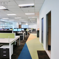 http://www.indfinitydesign.com/index.php/malaysia-infinity-design-projects/commercial/office.html by inDfinity Design (M) SDN BHD Modern