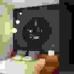 トロピカルスタイルの 寝室 の S Squared Architects Pvt Ltd. トロピカル エンジニアリングウッド 透明