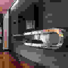 Interno Domestico Sala multimediale moderna di marco tassiello architetto Moderno