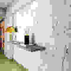 PROYECTO WA Pasillos, vestíbulos y escaleras modernos de Luis Escobar Interiorismo Moderno