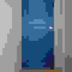 من スタジオ・スペース・クラフト一級建築士事務所 كلاسيكي خشب متين Multicolored