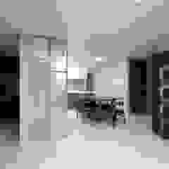 Modern dining room by 한 인테리어 디자인 Modern