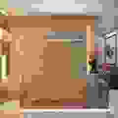 من Camila Pimenta | Arquitetura + Interiores حداثي رخام