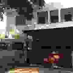Paredes e pisos coloniais por Kahuripan Architect Colonial Tijolo