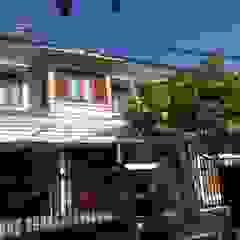Arcamanik House Dinding & Lantai Modern Oleh Kahuripan Architect Modern Batu Bata