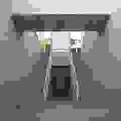 Passagem Subterrânea - EBIAH - São Bento Escolas modernas por PE. Projectos de Engenharia, LDa Moderno