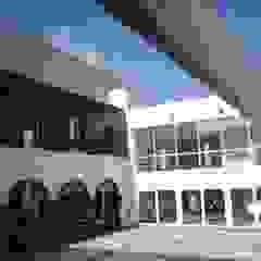 Academia da Juventude - Santa Cruz Centros de exposições modernos por PE. Projectos de Engenharia, LDa Moderno