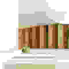 Oleh Sezam disseny d'Interiors SL Skandinavia Kayu Wood effect