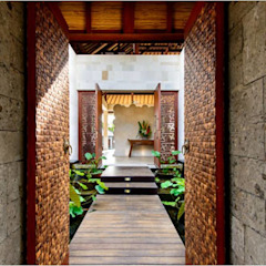 Asian style corridor, hallway & stairs by HG Architect Asian