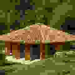 by Flavia Machado Arquitetura Tropical لکڑی Wood effect