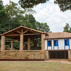 od Flavia Machado Arquitetura Egzotyczny Cegły
