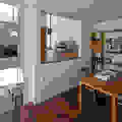 スキップフロアでつながる 伸びやかな空間のパッシブハウス の タイコーアーキテクト モダン