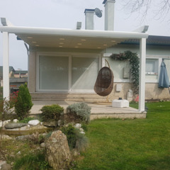 PERGOLA A.Ş. Balcon, Veranda & Terrasse modernes Aluminium/Zinc Blanc