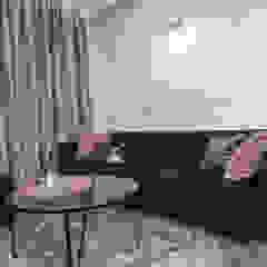 Służbowy apartament w Jarosławiu Rustykalny salon od Viva Design - projektowanie wnętrz Rustykalny Plastik