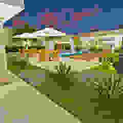 Varanda Gourmet + Jardim por Ambientando Arquitetura & Interiores Rústico