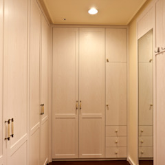 Country style dressing room by 松泰室內裝修設計工程有限公司 Country Solid Wood Multicolored