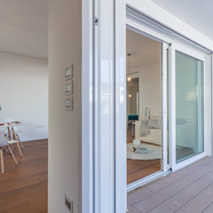 Portas e janelas minimalistas por Anna Leone Architetto Home Stager Minimalista