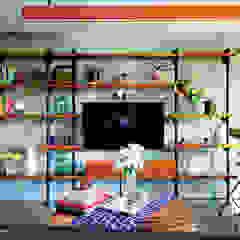 Rumah Beranda - Green Boarding House Ruang Keluarga Gaya Industrial Oleh sigit.kusumawijaya | architect & urbandesigner Industrial Besi/Baja