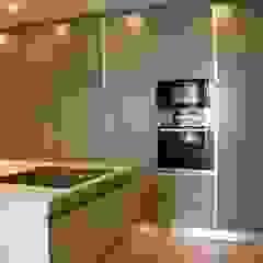 Cozinha Modelo Lacado Cinza Mate por Paulo Cardoso - Móveis por Medida, Lda. Moderno MDF