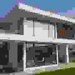 PROYECTO CASA ESPÍNOZA Casas estilo moderno: ideas, arquitectura e imágenes de alvarez arquitecto Moderno