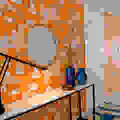 Apartamento Matosinhos Corredores, halls e escadas ecléticos por Tangerinas e Pêssegos - Design de Interiores & Decoração no Porto Eclético