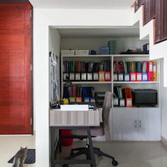 Industrial style study/office by RHBW Industrial