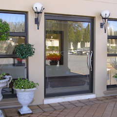 Modern style doors by Inso Architectural Solutions Modern Aluminium/Zinc