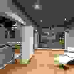 ห้องโถงทางเดินและบันไดสมัยใหม่ โดย du Toit Arch โมเดิร์น ไม้ Wood effect