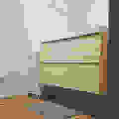 Remodelação casa de banho - Depois Banheiros modernos por Maria Eduarda Reis Interiores Moderno de madeira e plástico