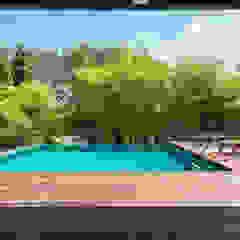 Design & Build: Landed House at Dunsfold Drive Modern pool by erstudio Pte Ltd Modern