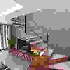 癒せる2階建て住宅 の Style Create モダン 木 木目調