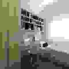 Villa Crystal II Scandinavian style study/office by Verde Design Lab Scandinavian