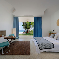 Seascape Villa Tropical style bedroom by Word of Mouth House Tropical