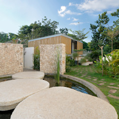 Seascape Villa Tropical style houses by Word of Mouth House Tropical