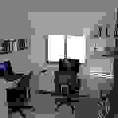 estudio Naromi Design Estudios y bibliotecas de estilo minimalista Madera Blanco