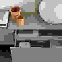 dressoir: modern  door Kroneman Interieurs, Modern Hout Hout