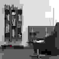wandkast: modern  door Kroneman Interieurs, Modern Hout Hout