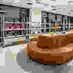 Mobiliário loja de calçado Espaços comerciais clássicos por J. F. LOUREIRO DOS SANTOS, UNIPESSOAL, LDA Clássico